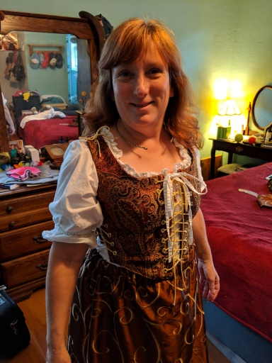 Wifey in medieval dress